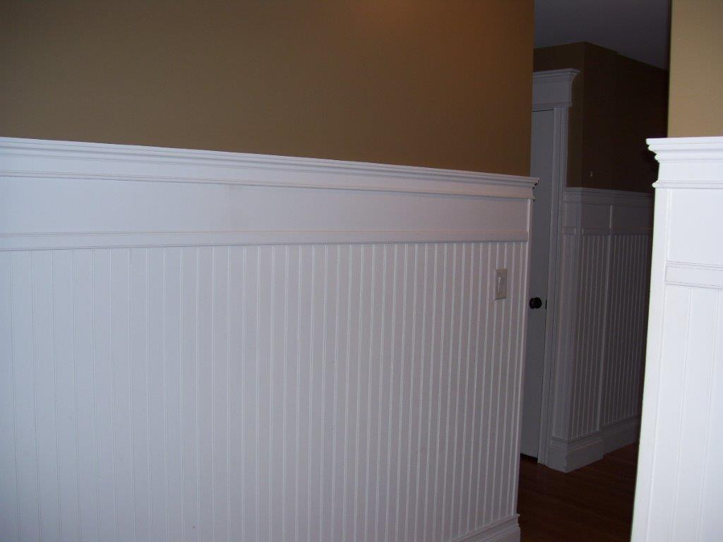 Wall moldings detail work